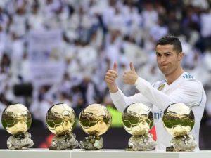 Quả bóng vàng thế giới – Danh hiệu cao quý năm 2020 thuộc về ai?