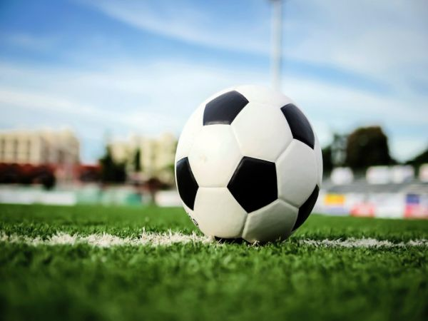Luật bóng đá 5 người mới nhất quy định về kích thước sân