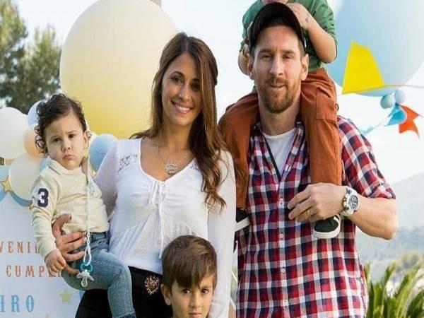 Vợ Messi là ai? Vợ Messi làm nghề gì?