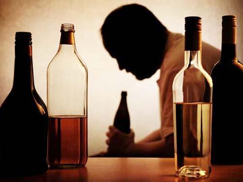 Nằm mơ thấy uống rượu đánh con gì đánh số mấy