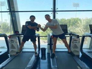 Bóng đá quốc tế 25/12: Ronaldo tập gym với con trai tiểu vương quốc