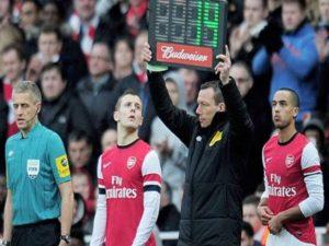 Luật thay người trong bóng đá theo chuẩn FIFA