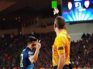 Thẻ xanh trong bóng đá và những điều vô cùng bất ngờ