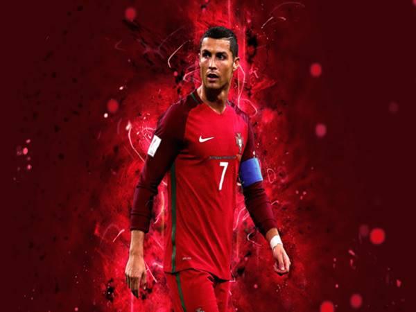 Cristiano Ronaldo là ai? Tìm hiểu về tiểu sử CR7