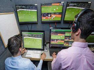 VAR là gì? Công nghệ bóng đá VAR